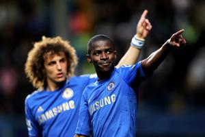 LONDON, ENGLAND - MAY 08:  Ramires (R) of Chelsea celebrates after scoring his team's second goal during the Barclays Premier League match between Chelsea and Tottenham Hotspur at Stamford Bridge on May 8, 2013 in London, England.  (Photo by Ian Walton/Getty Images)