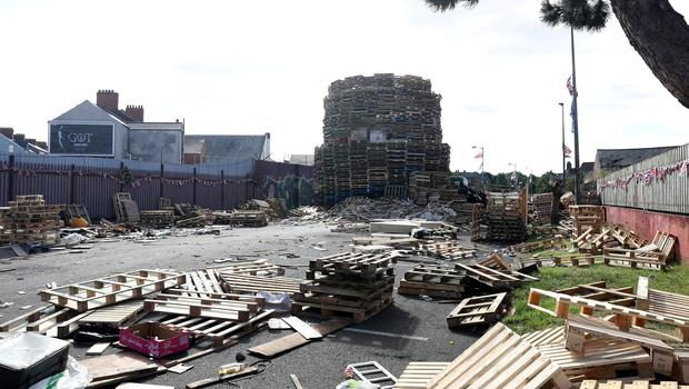Ravenscroft Avenue car park/Bloomfield Walkway bonfire site.