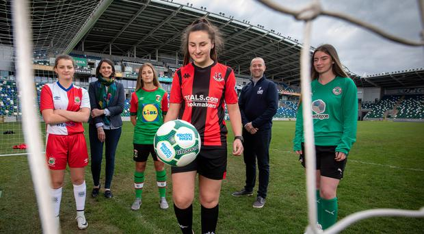 Pictured at the launch of the Electric Ireland Academy League are (L-R): Genna Brown Linfield Ladies FC; Anne Smyth, Electric Ireland; Danielle Maxwell, Glentoran Women Reserves; Rachel McLaren, Crusaders Strikers; Steven Mills, Northern Ireland Football League; and Eirinn Canavan, Cliftonville.