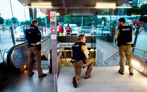 Police secures the entrance to a subway station near a shopping mall where a shooting took place on July 22, 2016 in Munich. AFP/Getty Images