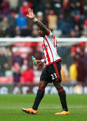 SUNDERLAND, ENGLAND - FEBRUARY 13: Lamine Kone of Sunderland applauds the supporters after his team's 2-1 win in the Barclays Premier League match between Sunderland and Manchester United at the Stadium of Light on February 13, 2016 in Sunderland, England.  (Photo by Clive Brunskill/Getty Images)