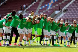 Celtic players celebrate winning the league after the Ladbrokes Scottish Premiership match at Tynecastle Stadium, Edinburgh. PRESS ASSOCIATION Photo. Picture date: Sunday April 2, 2017. See PA story SOCCER Hearts. Photo credit should read: Andrew Milligan/PA Wire. EDITORIAL USE ONLY