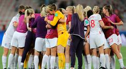 NICE, FRANCE - JUNE 19: The England players form a team huddle after the 2019 FIFA Women's World Cup France group D match between Japan and England at Stade de Nice on June 19, 2019 in Nice, France. (Photo by Elsa/Getty Images)