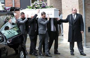 Funeral of Aundrea Bannatyne - Ease Belfast Mission - 21st August 2017 Aundrea's brother Aaron (front of coffin) 