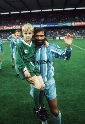 PACEMAKER BELFAST             AUGUST 1988          GEORGE BEST TESTIMONIAL AT WINDSOR PARK, BELFAST. 691/88/C