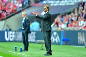 Borussia Dortmund manager Jurgen Klopp gives instructions to his team from the touchline during the UEFA Champions League Final at Wembley Stadium, London. PRESS ASSOCIATION Photo. Picture date: Saturday May 25, 2013.