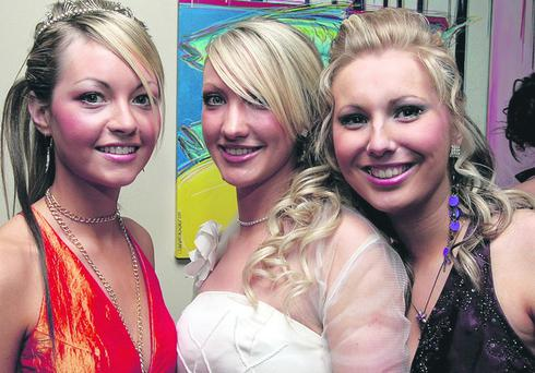 Zoey Harkness, Leah Totton and Joanne Hamilton, pictured on their arrival for the Foyle and Londonderry College annual dinner in the City Hotel. Picture by Maurice Thompson.