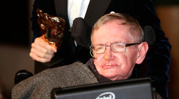 Students, teacher remember Stephen Hawking with a lesson from his work, life
