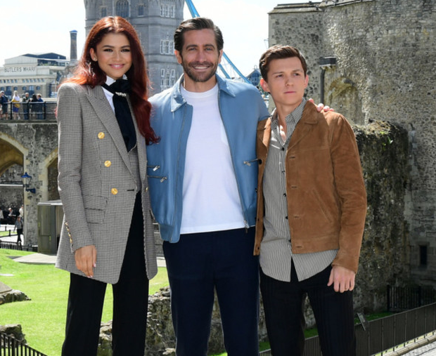 The actress with Gyllenhaal and Holland in London