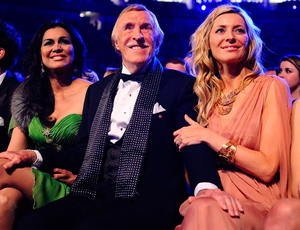 Sir Bruce Forsyth and his wife Wilnelia (left) with Tess Daly as he won a special recognition award at the 2011 National Television Awards