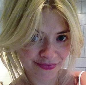 Going online:  Holly Willoughby's no make-up selfie