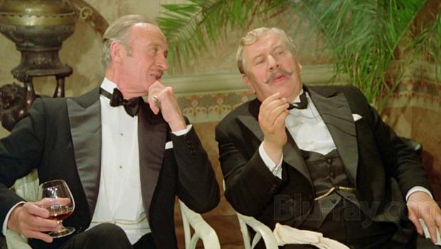 Peter Ustinov as the detective with David Niven in Death on the Nile