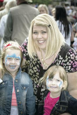 Devoted mum: Leesa Harker with daughters Lola and Lexi