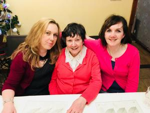 Big day: Leona O'Neill (on left) with mum Gloria and sister Carla