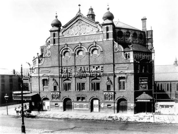 The original Grand Opera House building, called 'The Palace of Varieties' between 1904 and 1909