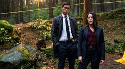 Killian Scott as Detective Rob Reilly and Sarah Greene as Detective Cassie Maddox in Dublin Murders