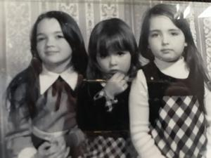 With sisters Joanne and Sinead in 1974