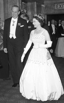 The Queen, wearing the same dress in 1962