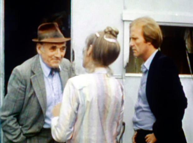 Sam Kydd as Sid with Dennis Waterman as Terry in TV series Minder