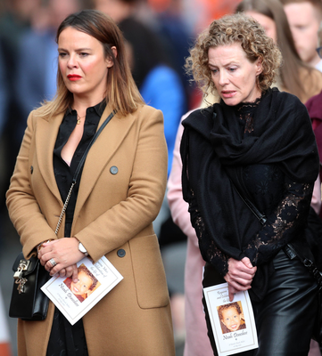 Noah's mum Fiona with her sister Niamh at his funeral