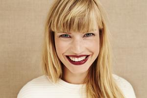 Go dark: berry lips are good in summer too