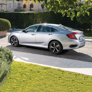 Honda Civic SE saloon