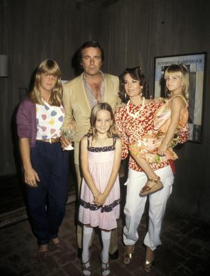 Robert Wagner, Natalie Wood, and daughters (from left) Katie Wagner, Natasha Gregson Wagner, and Courtney Wagner