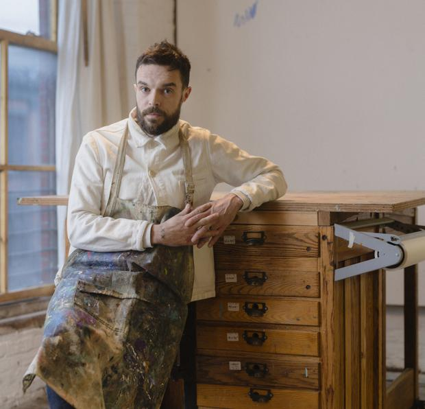 Northern Ireland author and artist Oliver Jeffers has been reading his books to an audience on his website.