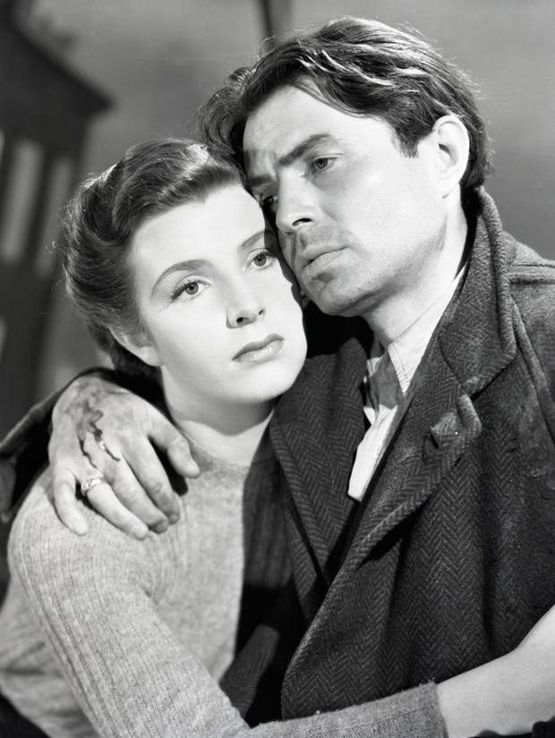 Kathleen Ryan with James Mason in Odd Man Out, which was filmed in Belfast in the 1940s