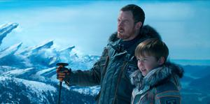 Toby Stephens as John Robinson and Max Jenkins as Will Robinson