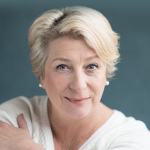 NEW LOOK: Actress Caroline Quentin