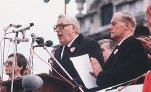November 1985 - Ian Paisley and Jim Molyneaux address the 250,000 crowd at the Anti Anglo Irish rally in Belfast