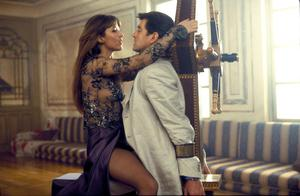 """Bond girl, Sophie Marceau and Pierce Brosnan in a scene from the James Bond film, """"The World Is Not Enough."""" (AP Photo/United Artists and Danjaq, LLC)"""
