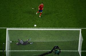 DONETSK, UKRAINE - JUNE 27:  Sergio Ramos of Spain scores a penalty past Rui PatrÃcio of Portugal during the UEFA EURO 2012 semi final match between Portugal and Spain at Donbass Arena on June 27, 2012 in Donetsk, Ukraine.  (Photo by Lars Baron/Getty Images)