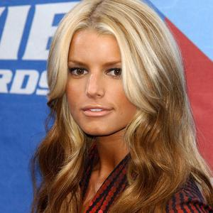 Jessica Simpson has tweeted a picture of her baby girl