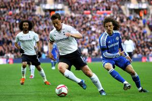 LONDON, ENGLAND - APRIL 15:  Scott Parker of Tottenham Hotspur evades David Luiz of Chelsea during the FA Cup with Budweiser Semi Final match between Tottenham Hotspur and Chelsea at Wembley Stadium on April 15, 2012 in London, England.  (Photo by Clive Rose/Getty Images)