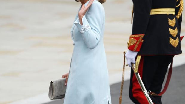 Mother of the bride Carole Middleton arrives to attend the Royal Wedding of Prince William to Catherine Middleton at Westminster Abbey on April 29, 2011 in London, England