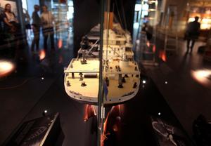 Visual tour of the Titanic Belfast Signature Building which opens to the public on Saturday 31 March. A model of the Titanic.