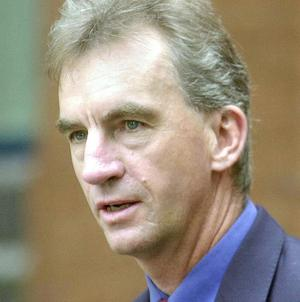 An inquiry is continuing into the death of British cricket commentator and journalist Peter Roebuck