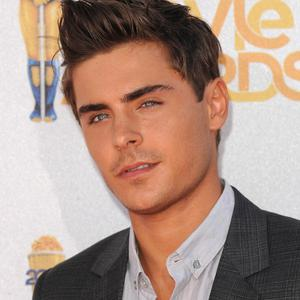 Zac Efron insists on chewing gum before kissing scenes
