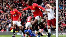 MANCHESTER, ENGLAND - APRIL 15:   Danny Welbeck of Manchester United celebrates scoring his team's second goal during the Barclays Premier League match between Manchester United and Aston Villa at Old Trafford on April 15, 2012 in Manchester, England. (Photo by Alex Livesey/Getty Images)