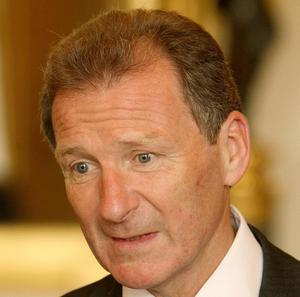 Former Cabinet Secretary Lord O'Donnell has questioned Jeremy Hunt's actions in the row over BSkyB