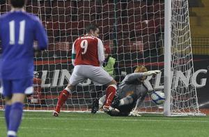Cliftonville 0 Bolton Wanderers 2