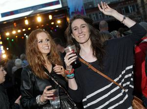 Paolo Nutini performing at Belsonic Festival in Custom House Square, Belfast. Deirdre Caldwell and Finnula Lindsey from Donegal enjoy the show