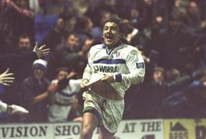 <b>Ivano Bonetti v Brian Laws</b><br/> Ivano Bonetti was something of a fans' favourite at Grimsby, but when he came head-to-head with manager Brian Laws in 1996, it was the Italian who paid the price. The bust-up between the two followed a 3-2 defeat at the hands of Luton. After the match Laws was furious with Bonetti, claiming he hadn't tried hard enough. When Bonetti spoke back, Laws threw a plate of chicken at him, leaving the former Juventus man with a fractured cheekbone. And Laws wasn't finished there - he sold him to Tranmere at the end of the season.