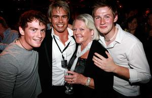 Mark Henry, Kirk Frame, Brenda Frame and Jason Steele are pictured at the final of Pepsi Sexiest Man 2009 in association with Northern Woman. The final took place in Northern Whig, Belfast (10 September).