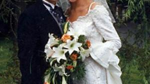 Diarmuid Flood and his wife Lorraine on their wedding day. Lorraine was a cousin of Republic of Ireland footballer Kevin Doyle