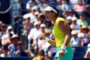 NEW YORK, NY - AUGUST 31:  Laura Robson of Great Britain celebrates after defeating Na Li of China during their women's singles third round match on Day Five of the 2012 US Open at USTA Billie Jean King National Tennis Center on August 31, 2012 in the Flushing neigborhood of the Queens borough of New York City.  (Photo by Elsa/Getty Images)  *** BESTPIX ***