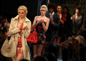 A stunning model shows off the hottest trends for Spring at Thursday nights West Coast Cooler Fashionweek