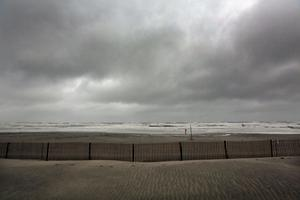 ATLANTIC CITY, NJ - OCTOBER 28:  Waves break on the beach ahead of Hurricane Sandy on October 28, 2012 in Atlantic City, New Jersey.  Governor Chris ChristieÄôs emergency declaration is shutting down the cityÄôs casinos and 30,000 residents are being told to evacuate.  (Photo by Mario Tama/Getty Images)